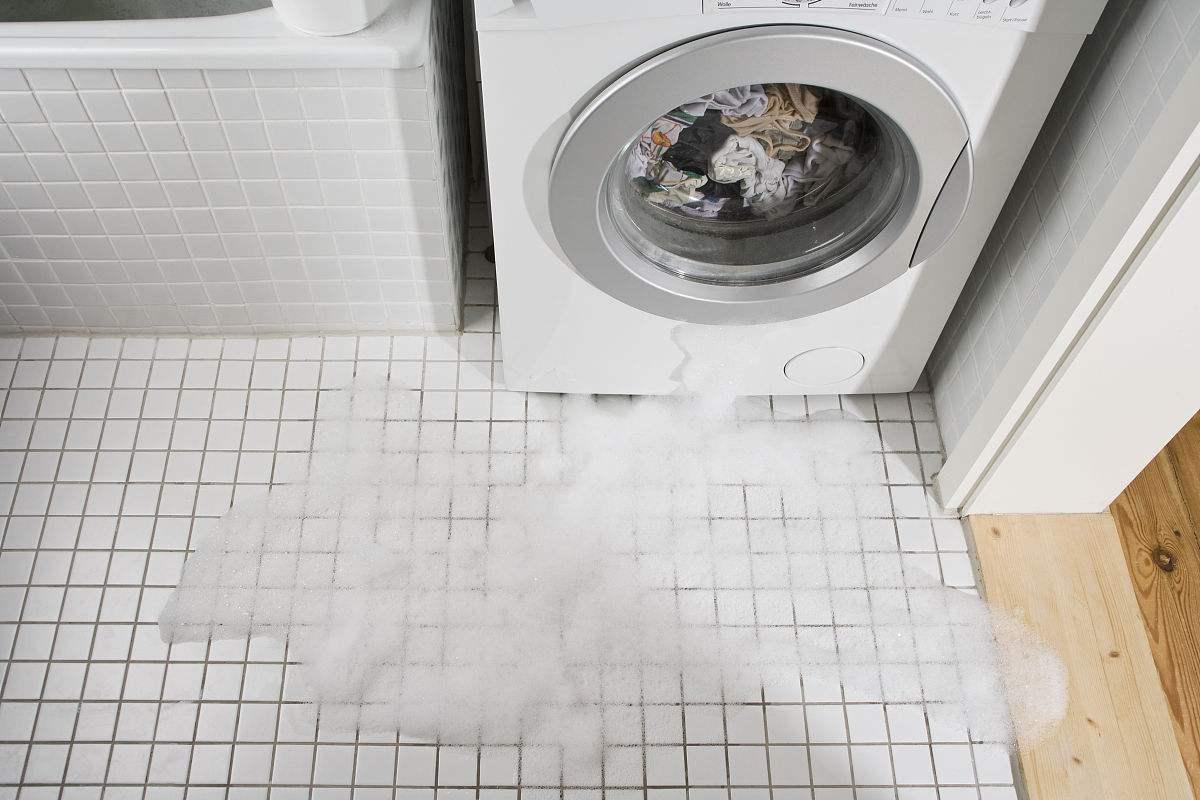 https://www.callsifu.com/article/126/water-damaged-appliances.jpg